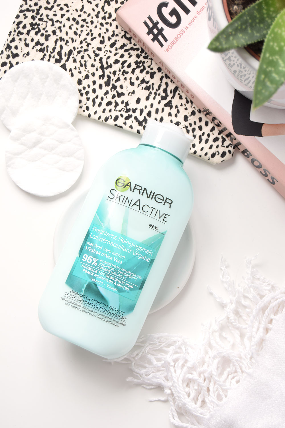 review garnier skinactive botanische reinigingsmelk alo vera read all about it. Black Bedroom Furniture Sets. Home Design Ideas
